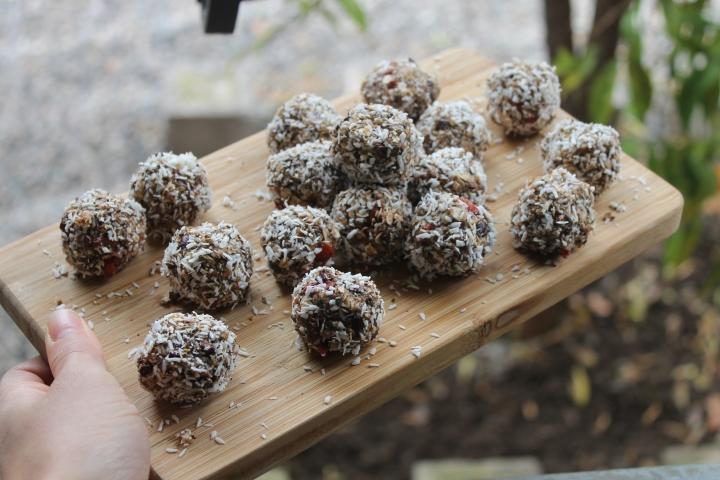 Tea + Oat no-bake Balls ~Recipe